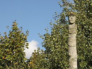 Newstead, Nottinghamshire - Image: Miner's Head Totem Pole Detail geograph.org.uk 994755