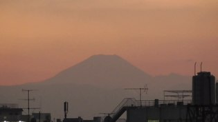 File:Mount Fuji at sunset (timelapse).webm