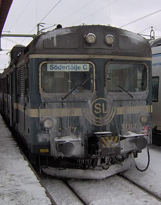 Stockholm commuter rail - An ice covered X1 train