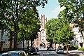 Neubrandenburg, Treptower Straße und Treptower Tor.jpg