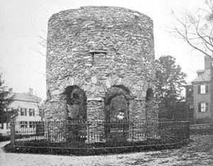 English: The old stone tower in Touro Park, Ne...