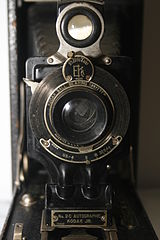 No. 2C Autographic Kodak Junior Camera (5373476818).jpg
