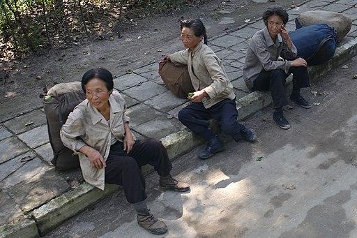 North Korea - Women workers (5609059647)