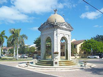 North Miami Beach, Florida - Fulford by the Sea Entrance