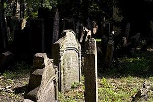 Josefov - Old Jewish Cemetery, Prague