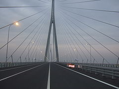 On the Sutong Bridge 2.jpg