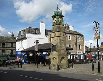 Otley - Image: Otley Market Place clock 7 August 2017