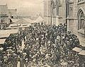 Pèlerinage de la Trinité de 1912 - Sortie de la Basilique de Walcourt - Version rognée sans bord.jpg