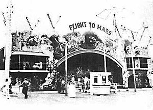 Palisades Amusement Park - Flight to Mars attraction