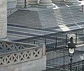 Panthéon, façade nord, marches et grille.jpg