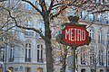 Paris metro sign October 21, 2011.jpg