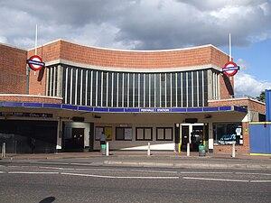 Perivale - Image: Perivale station building