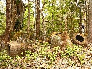 Phonsavan - Image: Phakeo Jar Site b
