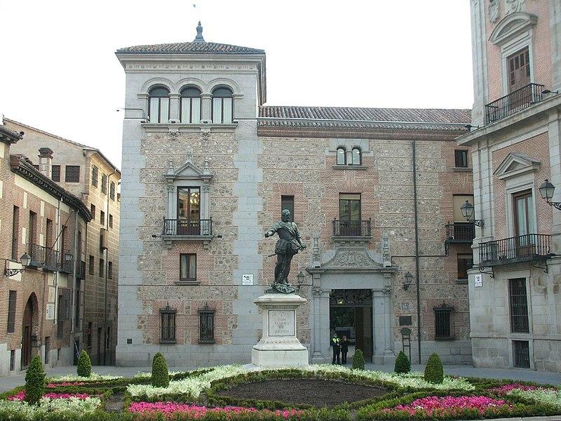 File:Plaza de la Villa (Madrid) 02.jpg