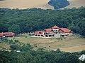 Pohľad z Vinianskeho hradu - hacienda - panoramio.jpg