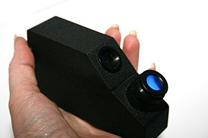 Gemology - Traditional handheld refractometer