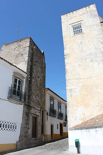 Ebora Liberalitas Julia - The Portas de Mouro rests on the foundations of a Roman city gate