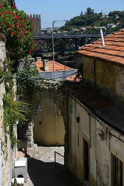 Imagem:Porto - Ponte Dom Luis I e casario.jpg