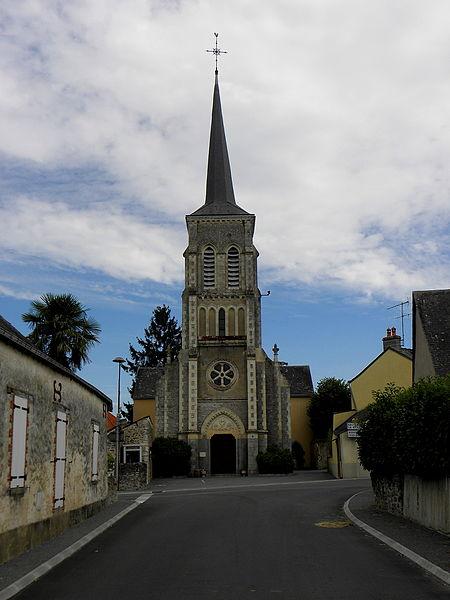 Église Saint-Martin de Préaux (53). Façade principale.