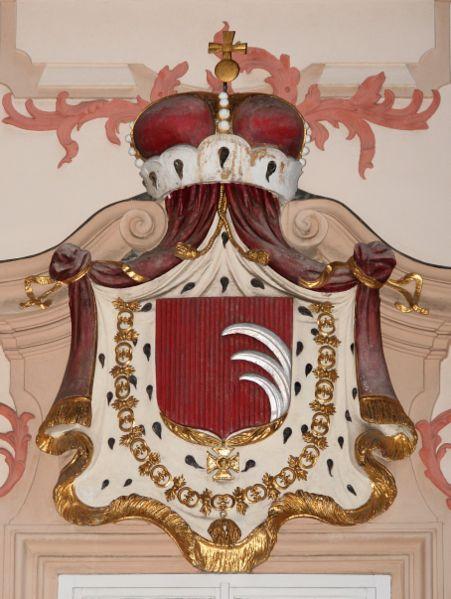 File:Prague Palace Kinsky CoA.jpg