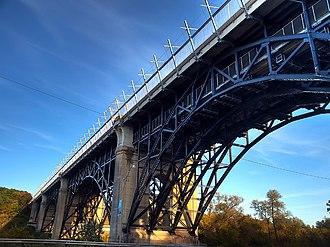 Prince Edward Viaduct - Image: Prince Edward Viaduct