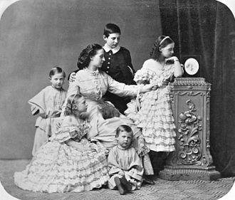 Princess Alexandra of Saxe-Altenburg - (Clockwise) Grand Duchess Alexandra Iosifovna with her five eldest children: Nicholas, Olga, Dimitri, Vera and Constantine Constantinovich