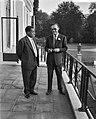 Prins Bernhard ontvangt Gouverneur van Khartoen, Mohammend Mhalil Bateik, Bestanddeelnr 910-6270.jpg