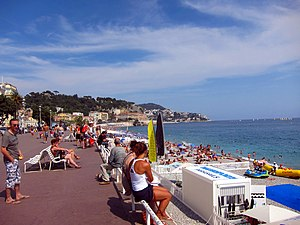 Promenade des Anglais - The Promenade des Anglais, next to the beach