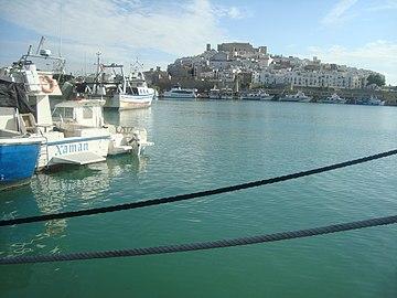 Puerto pesquero de Peñiscola.jpg