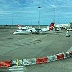 QantasLink Q400 VH-QOE at BNE (30710302046).jpg
