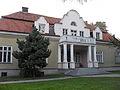 Radłów. Budynek plebanii1.jpg