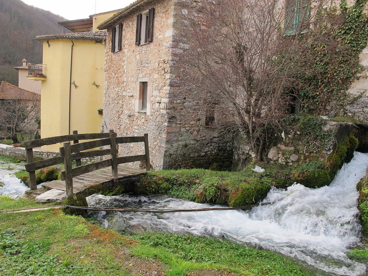 Rasiglia wikipedia for Immagini di case antiche