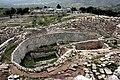 Recinte circular de tombes reials A (1500-1600 aC), Micenes (Grècia).jpg