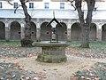 Rennes Abbaye Saint-Melaine cloitre 06.jpg