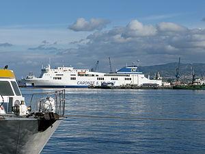 Ro-Pax Ferry Cartour Gamma - C&T - Messina Harbour - Dec. 2009.jpg