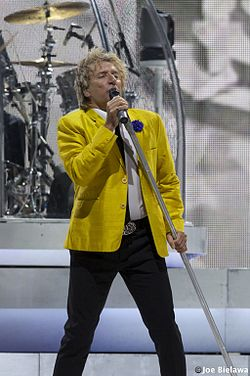 Rod Stewart at Xcel Center DSC 0391 (14886078235).jpg