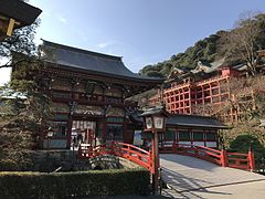 Romon gate and Honden of Yutoku Inari Shrine.jpg