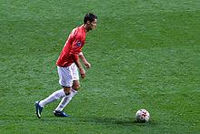 Ronaldo con la maglia del Manchester United mentre calcia una punizione