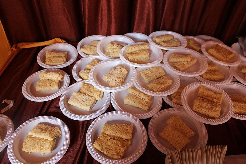 Berkas:Roti jala Indonesia.JPG