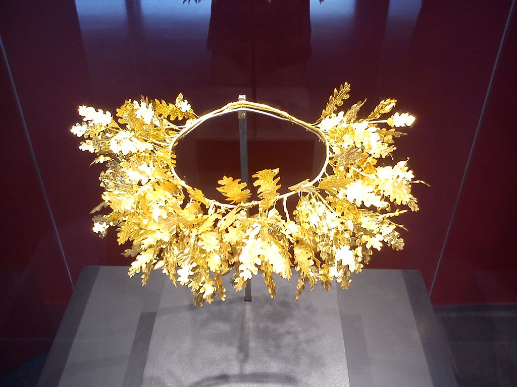 Royal crown Aigai