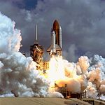 STS-78 Launch (18841284111).jpg