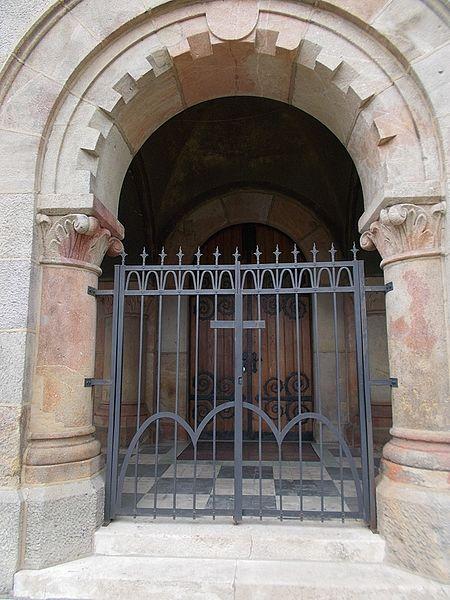 File:Saint Vincent de Paul church (1936). Gate. - Budapest.JPG