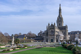 Image illustrative de l'article Basilique Sainte-Anne d'Auray
