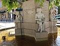 Salon-de-Provence Statue de Adam de Craponne Socle1.jpg