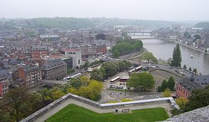 Mündung der Sambre (links) in die Maas in Namur