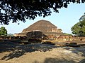 Sariputta Stupa Nalanda University India - panoramio (1).jpg