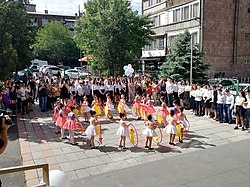 School last bell celebration at Stepaan Zoryan -56 school in Yerevan.jpg