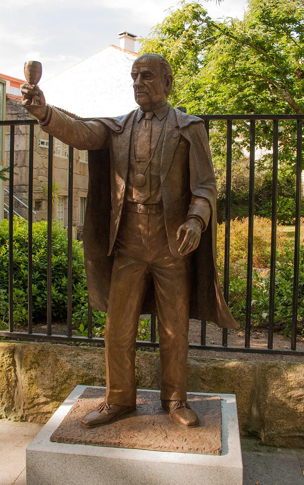 Sculpture of Manuel Fraga Iribarne