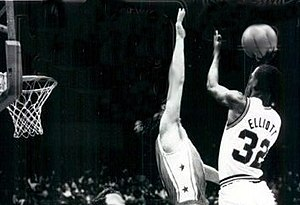 Sean Elliott - Elliott shooting the ball for the Arizona Wildcats in 1988