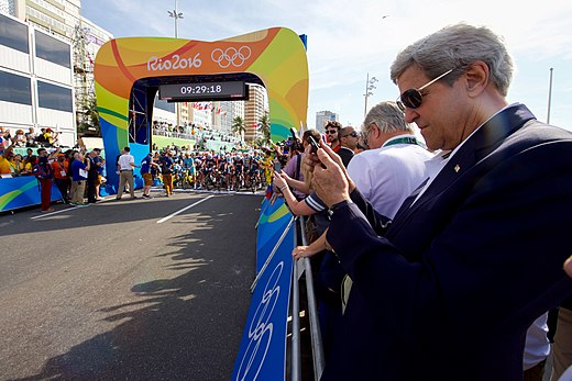 Secretary Kerry Watches the Start of the Men's Cycling Race at the 2016 Summer Olympics (28698898212).jpg